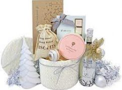 What Are The Advantages Of Buying Christmas Gift Hampers Through Online Platform?